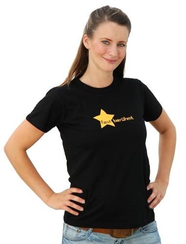 """T-Shirt """"fast berühmt"""""""